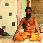 Varanasi gilt als Stadt des Gottes Shiva Vishwanat (Oberster Herr der Welt) und als eine der heiligsten Stätten des Hinduismus.