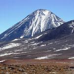 Vorbei an schönen Vulkanen