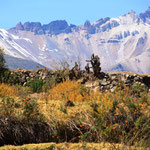 Überall sind wunderschöne Berge im Hintergrund