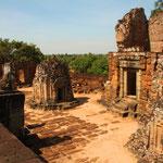 Der Shiva geweihte Pyramidentempel Pre Rup, nahe der kambodschanischen Stadt Siem Reap gelegen, ist der bedeutendste Angkortempel des 10. Jahrhunderts