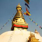 Swayambhu, die uralte Stupa ist für die Buddhisten Nepals von höchster Bedeutung.