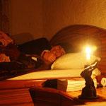 Unsere letzte Nacht in Nepal, wieder einmal ohne Strom, wie fast immer!! :)