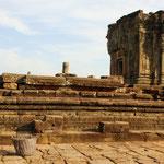 Auf dem Phnom Bakheng die Aussicht über Angkor geniessen