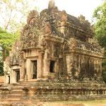 Der Thommanon und der Chau Say Tevoda sind zwei kleine, ursprünglich hinduistische Flachtempel in unmittelbarer Nachbarschaft der historischen Stadtanlage Angkor Thom.