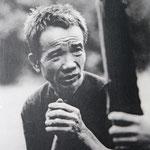 Das Kriegsrestemuseum dokumentiert die Grausamkeiten des Vietnamkrieges. Dutzende von Bilder mit Kriegsopfern mit Verstümmelungen, Verbrennungen, und Kinder, welche durch die chemischen Waffen der USA entstellt zur Welt kamen.