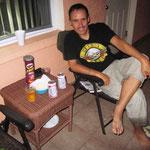 Terrasse bei unserem Motel. Nach Ami-Vorbild mit Bier und Popcorn!!
