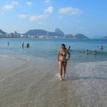 Baden in Rio im Winter ist etwas frisch aber möglich, die Lufttemperatur ist gegen 30 Grad, die Wassertemperatur nur ca. 20 Grad!!