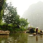 Bootsfahrt durch Schluchten und Höhlen
