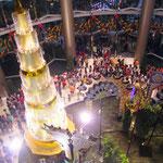 Der grosse Weihnachtsbaum im riesigen Shoppingcenter beim Siam Square.