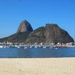 Blick vom Strand von Botafogo auf den Zuckerhut