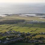 Blick vom Berg Knocknarea auf Strandhill