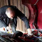 Zurück an der Unterkunft in Stexwig: Ungemach....der Motor drückt überall Öl raus, das hat sich in Norwegen schon angekündigt