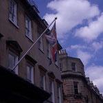 das meiste der Stadt sieht aus wie diese Flagge...verblasste Schönheit, Schmutz, Verfall wo man hinsieht