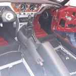 Beide Sitzgestelle sind montiert, die restlichen Verkleidungen und Kniepolster auch