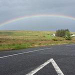 Dann auf dem Heimweg, regnets kurz, nur um uns diesen Regenbogen zu bescheren....