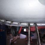Das Heckblech passt gut, der Kofferraumboden hat genügend Materialüberstand