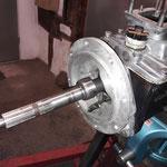 Das Schaltgetriebe wird dann noch optisch aufgehübscht.....
