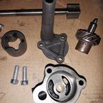 Die Ölpumpe und das Antriebsritzel sind gereinigt und geprüft und fertig für den Einbau