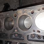 der Motorblock hat rostige Zylinderlaufflächen, ist aber noch im Grundmass