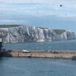 nach gar nicht mal langer Zeit: Die Kreidefelsen von Dover und gutes Wetter!