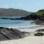 """Strahlender Sonnenschein an Derrynane Beach, wo auch das Haus vom """"Liberator"""" Michael Collins steht"""