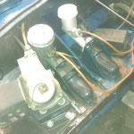 Auch um die Hydraulikzylinder herum und im Batteriefach ists okay, die Basis ist alles in allem prima