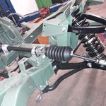 Das Lenkgetriebe wird eingebaut