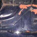 Der Kofferraumboden wird ersetzt, er ist schon mehrfach repariert, zwar gut gemacht, aber nicht mein Anspruch
