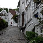 Wir fahren nach Stavanger, Stadtbesichtigung. Die Stadt ist teils alt und teils sehr modern
