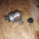 Der originale Magnetschalter wird geprüft, für gut befunden und optisch aufbereitet