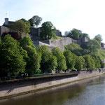 und bleiben für eine Nacht in Namur