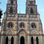 Und die spektakuläre Kathedrale, leider haben wir nur einen Abend lang Zeit, wir sind schwer beeindruckt, auch von den weltoffenen Menschen hier