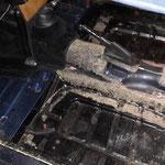 Der Boden wurde an den Rändern mal repariert, der Rest sieht sehr gut aus