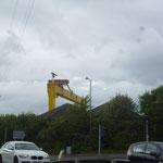 In Belfast sieht man dann auch die Harland and Wolff Werft, welche die Titanic gebaut hat und heute noch in Betrieb ist
