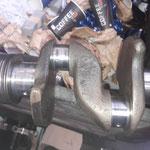 unterdessen beim Motorenbauer: Die Kurbelwelle wird vermessen
