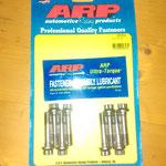 noch mehr feine Teile: Pleuelschrauben von ARP, hochzugfest, ein muss für jeden Spitimotor der 6000 U/min verkraften soll
