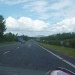 Die M20 ist super ausgebaut, vor 18 Jahren, gab es hier solche Strassen noch gar nicht, das Wetter ist prima