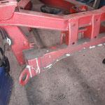 Der Halter für den Bremsschlauch wird nachgebaut und angeschweisst, ebenso eine abgebrochene Lasche für die Bremsleitung