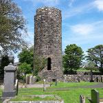 Das ist der Armoy Round Tower, ein ehemaliger Glockenturm, der fast 1000 Jahre zählt!
