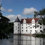 Wir fahren zur Glücksburg bei Flensburg, tolle Location!