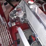 Ein Ölcachtank wird eingebaut, da die Kurbelgehäuseentlüftung nicht mehr am Luftfilterkasten angeschlossen werden kann
