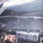 auch unterm Cockpit ist alles sauber mit EP Grund gespritzt