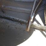 üble Reparatur im Kofferraum samt Unfallschaden