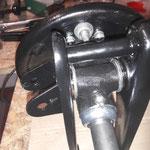 Dann werden die Achswellen und Ankerplatten / Radträger miteinander vereint