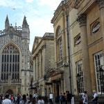 Bath ist eine der bekanntesten und populärsten Touristenattraktion Englands