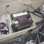 weiter gehts an der Elektrik, die Batterie wird eingebaut und verdrahtet