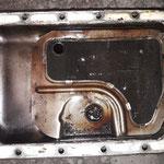 Dieses befindet sich bei den 1200ern in der Ölwanne, nebst Schwallblechen, gute Lösung aber zu teuer...in der Wanne: 2cm Schmodder...
