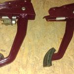 Noch ein paar Kleinteile überholt, gut zu sehen, der Bremslichtschalter aus Blech ist noch Original!
