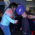 die Kleinsten haben beim Luftballontanz gewonnen