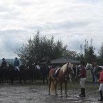 Pferdegottesdienst: Die Teilnehmer mit Pferd 2
